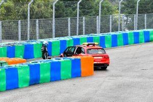 The medical car collects Valtteri Bottas, Mercedes, after a crash