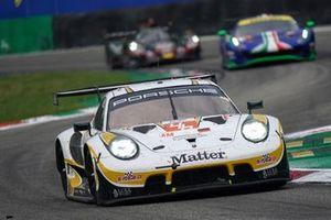 #46 Team Project 1 Porsche 911 RSR - 19: Dennis Olsen, Anders Buchardt, Axcil Jefferies