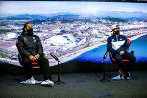 Lewis Hamilton, Mercedes and Yuki Tsunoda, AlphaTauri in the Press Conference