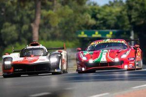 Cover LeMans: Toyota, Ferrari
