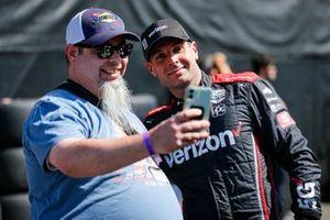 Will Power, Team Penske Chevrolet with fan