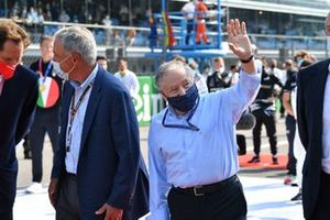 Chase Carey, Non Executive Chairman, Formula One, and Jean Todt, President, FIA, on the grid