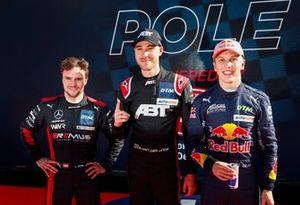 Top 3 after Qualifying, Lucas Auer, Mercedes AMG Team Winward, Pole sitter Kelvin van der Linde, Abt Sportsline, Liam Lawson, AF Corse