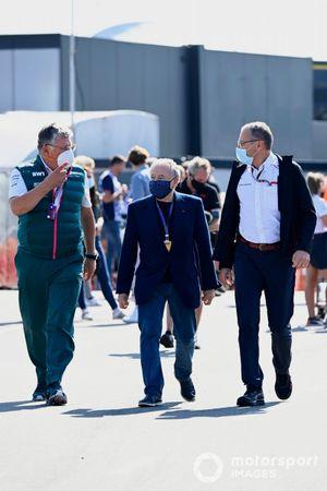 Otmar Szafnauer, Team Principal and CEO, Aston Martin F1, Jean Todt, President, FIA, and Stefano Domenicali, CEO, Formula 1