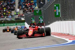 Carlos Sainz Jr., Ferrari SF21, Lance Stroll, Aston Martin AMR21, and Daniel Ricciardo, McLaren MCL35M