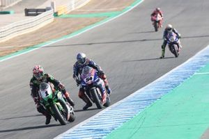 Jonathan Rea, Kawasaki Racing Team WorldSBK, Toprak Razgatlioglu, PATA Yamaha WorldSBK Team, Andrea Locatelli, PATA Yamaha WorldSBK Team