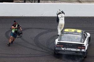 Race winner A.J. Allmendinger, Kaulig Racing, Chevrolet Camaro Hyperice