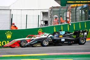 Olli Caldwell, Prema Racing, battles with Matteo Nannini, HWA Racelab
