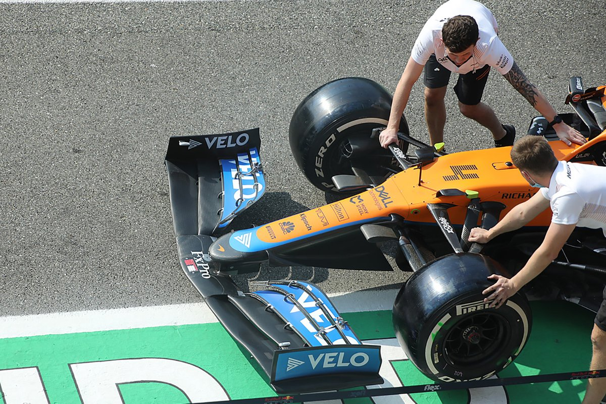 McLaren MCL35M: Frontpartie
