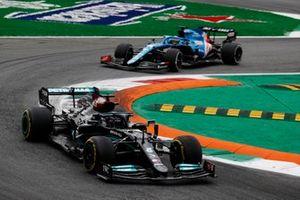 Lewis Hamilton, Mercedes W12, Fernando Alonso, Alpine A521
