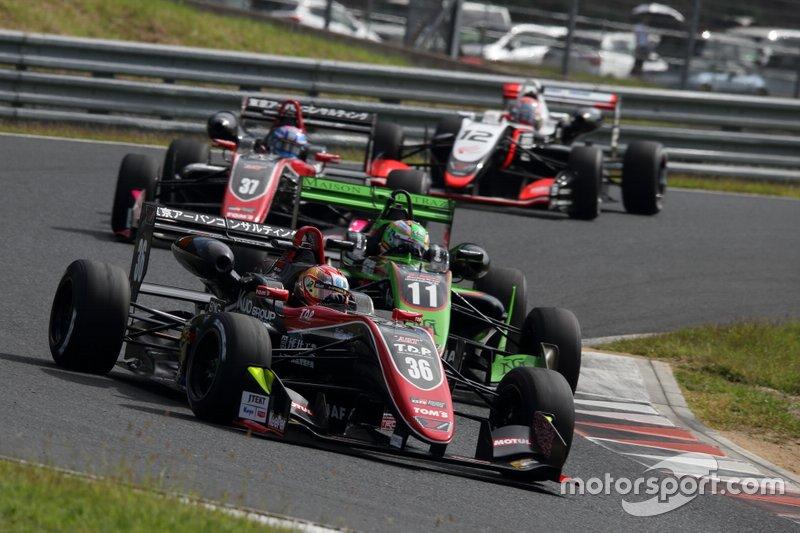 宮田莉朋(カローラ中京 Kuo TEAM TOM'S)、サッシャ・フェネストラズ(B-Max Racing with motopark)