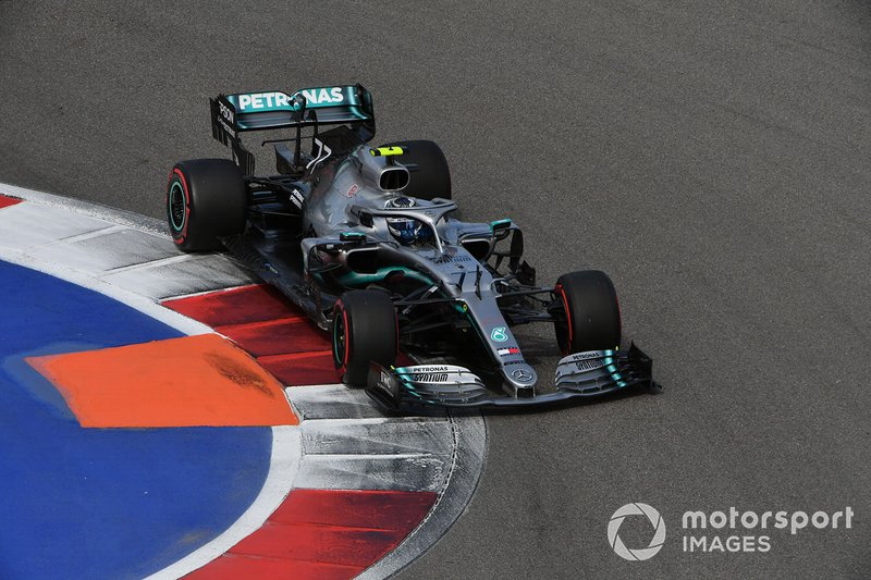 2º: Valtteri Bottas, Mercedes AMG W10: +3.829