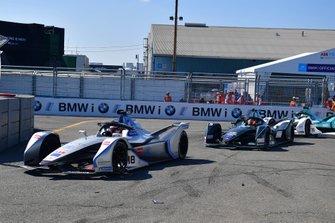 Эдоардо Мортара, Venturi Formula E Team, Стоффель Вандорн, HWA Racelab, Venturi VFE05, и Оливер Тёрви, NIO Formula E Team, NIO Sport 004