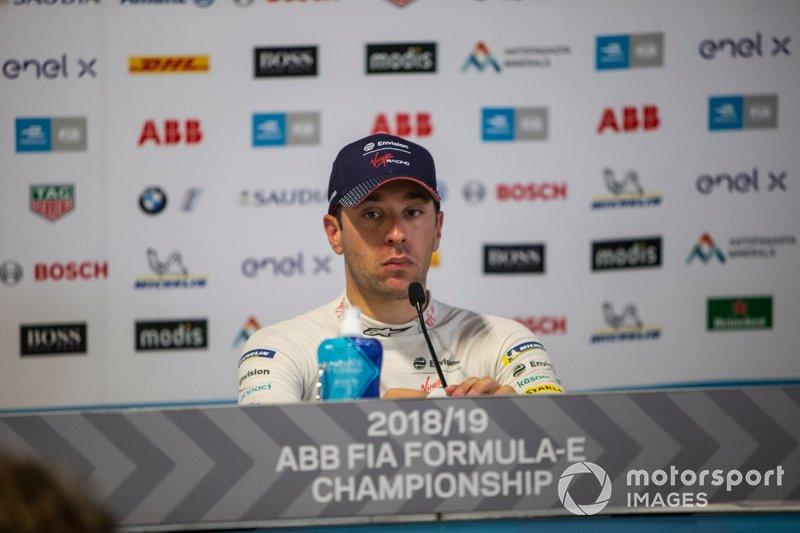 Il vincitore della gara Robin Frijns, Envision Virgin Racing alla conferenza stampa