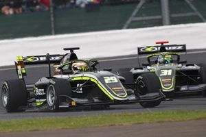 Teppei Natori, Carlin Buzz Racing y Logan Sargeant, Carlin Buzz Racing