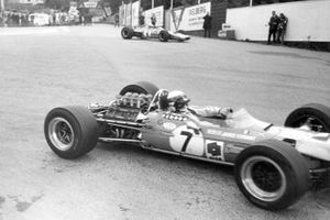 Jackie Stewart, Matra MS10, Denny Hulme, McLaren M7A
