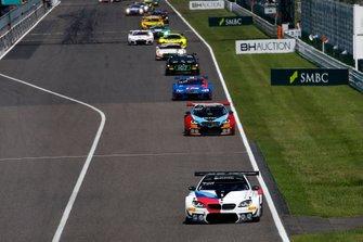 #42 BMW Team Schnitzer BMW M6 GT3: Augusto Farfus, Nick Yelloly, Martin Tomczyk leads