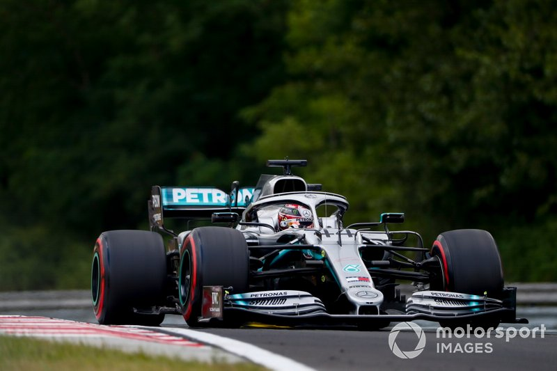 Lewis Hamilton - 4 puntos de penalización