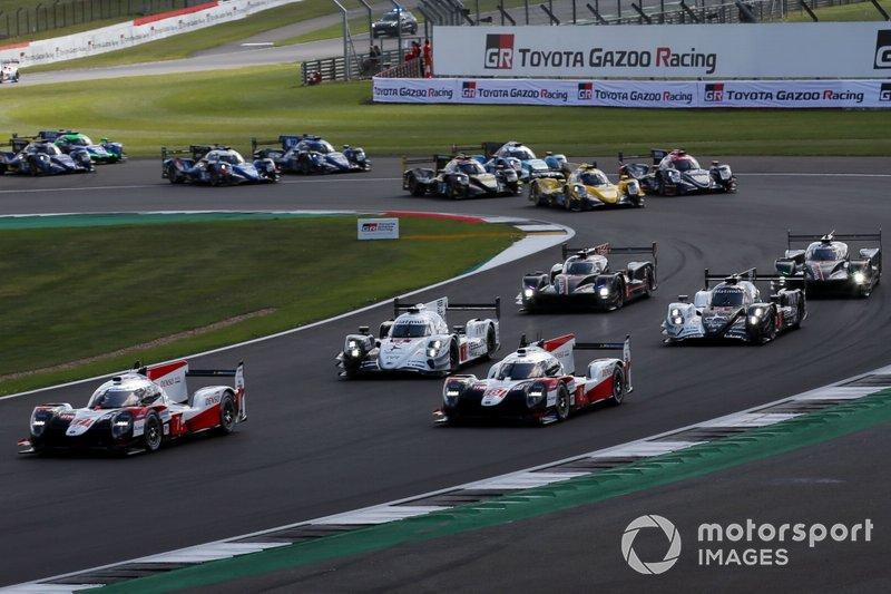 Partenza della gara, #7 Toyota Gazoo Racing Toyota TS050: Mike Conway, Jose Maria Lopez, Kamui Kobayashi comanda