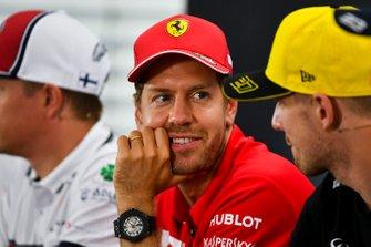 Sebastian Vettel, Ferrari en Nico Hulkenberg, Renault F1 Team tijdens de persconferentie