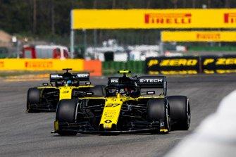 Nico Hulkenberg, Renault F1 Team R.S. 19, devant Daniel Ricciardo, Renault F1 Team R.S.19