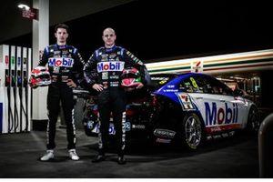 Гонщики Brad Jones Racing Ник Перкат и Тим Бланкард, автомобиль Holden ZB Commodore