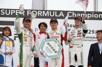 山下健太(KONDO RACING)、中嶋一貴(VANTELIN TEAM TOM'S)、ハリソン・ニューウェイ(B-Max Racing with motopark)