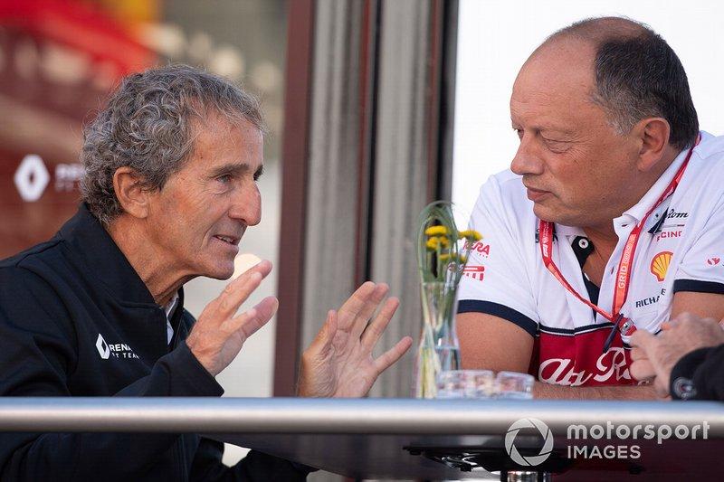 Alain Prost, Renault F1 Team, e Frederic Vasseur, Team Principal, Alfa Romeo Racing