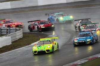 #911 Manthey Racing Porsche 911 GT3 R: Otto Klohs, Kevin Estre, Lars Kern