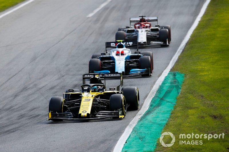 Daniel Ricciardo, Renault F1 Team R.S.19, Robert Kubica, Williams FW42 e Kimi Raikkonen, Alfa Romeo Racing C38