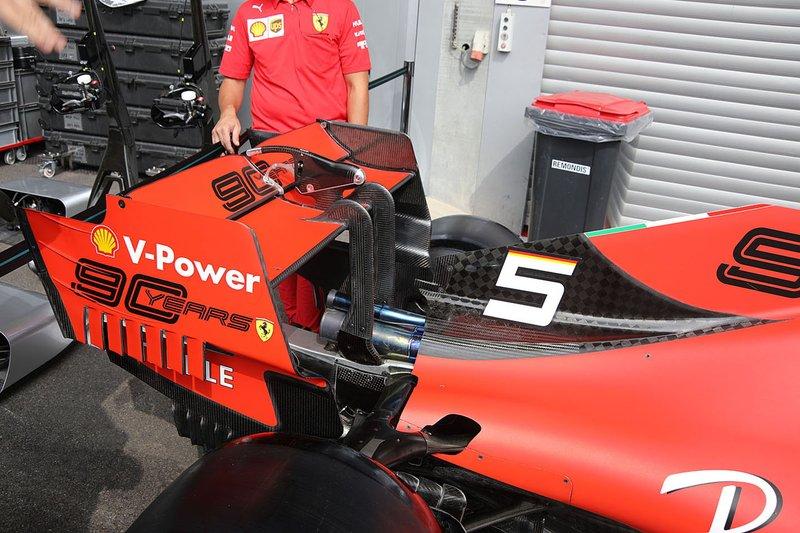 L'aileron arrière de la Ferrari SF90