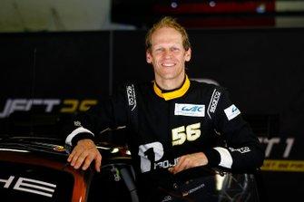 #56 Team Project 1 Porsche 911 RSR: Jörg Bergmeister