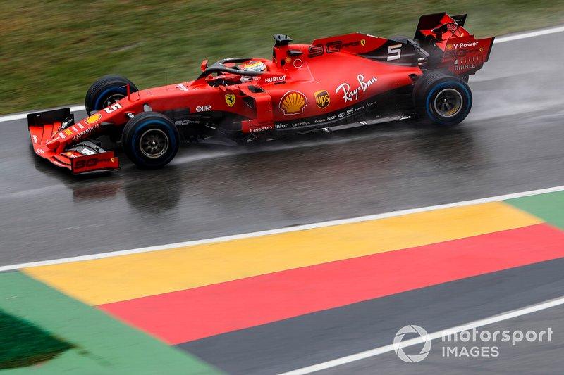 Los Ferrari salieron muy bien: Vettel pasó de 20º a 14º y Leclerc de 10º a 6º