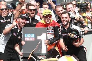 Il vincitore della gara Aron Canet, Max Racing Team