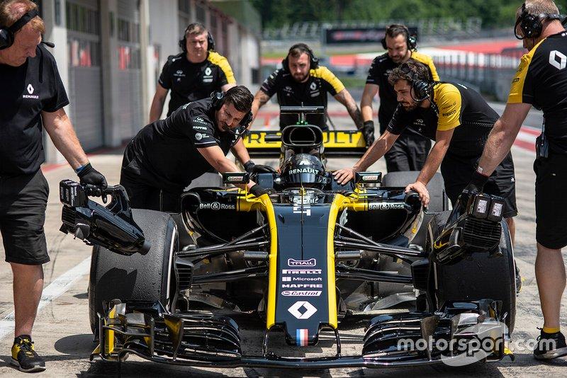 Guanyu Zhou, Academia Renault Sport, prueba el Renault 2017 F1