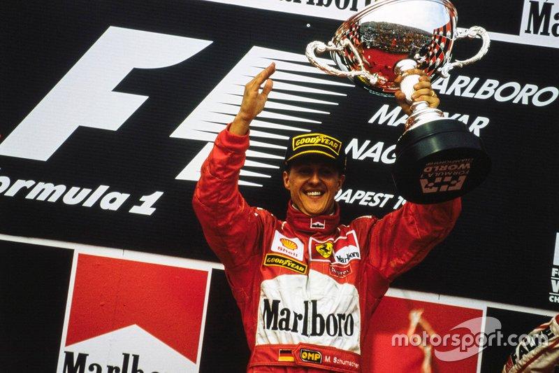 Podium: winnaar Michael Schumacher, Ferrari
