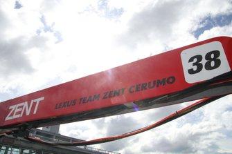 #38 ZENT CERUMO LC500