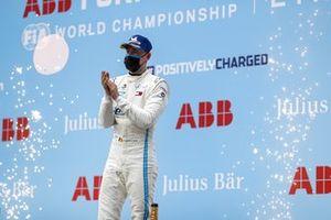 Race Winner Stoffel Vandoorne, Mercedes-Benz EQ celebrates on the podium