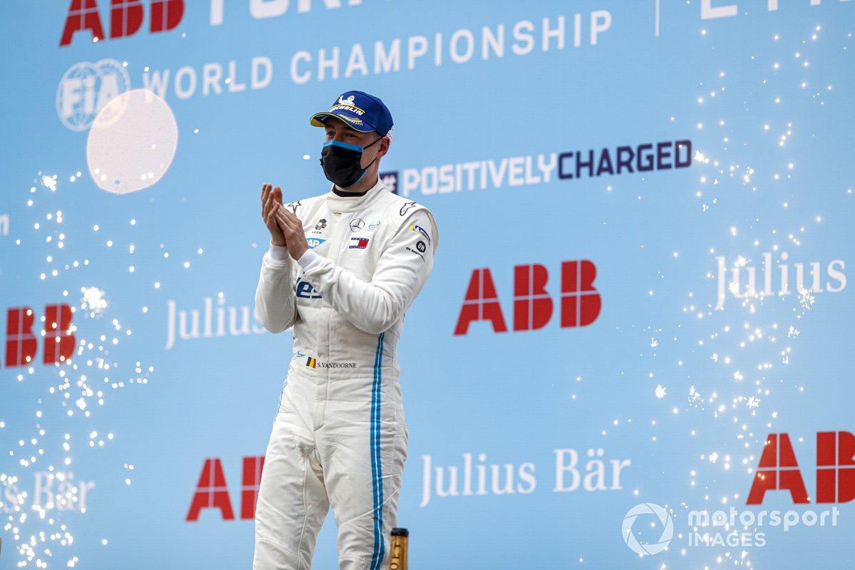 Stoffel Vandoorne, Mercedes-Benz EQ celebra la victoria en el podio