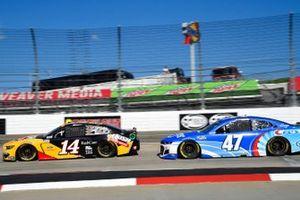 Chase Briscoe, Stewart-Haas Racing, Ford Mustang Rush Truck Centers, Ricky Stenhouse Jr., JTG Daugherty Racing, Chevrolet Camaro Kroger/Crest