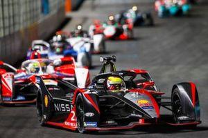 Oliver Rowland, Nissan e.Dams, Nissan IMO2, precede Alexander Sims, Mahindra Racing, M7Electro