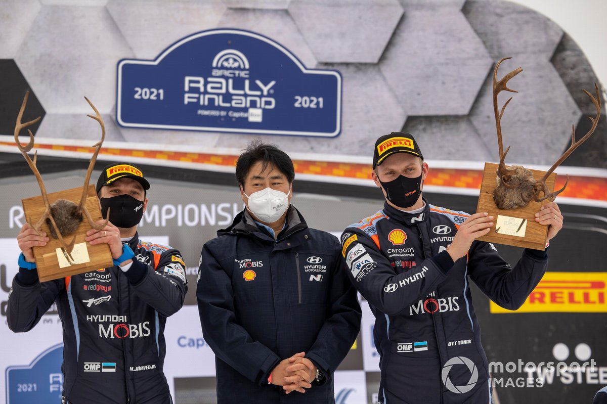 Podio: Ott Tänak, Martin Järveoja, Hyundai Motorsport Hyundai i20 Coupe WRC, Scott No, Hyundai