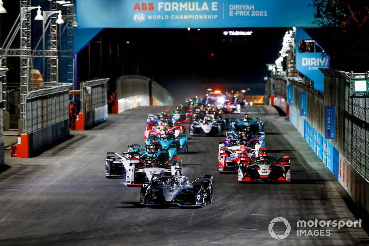 Salida: Nyck de Vries, Mercedes Benz EQ, EQ Silver Arrow 02 99, Rene Rast, Audi Sport ABT Schaeffler, Audi e-tron FE07