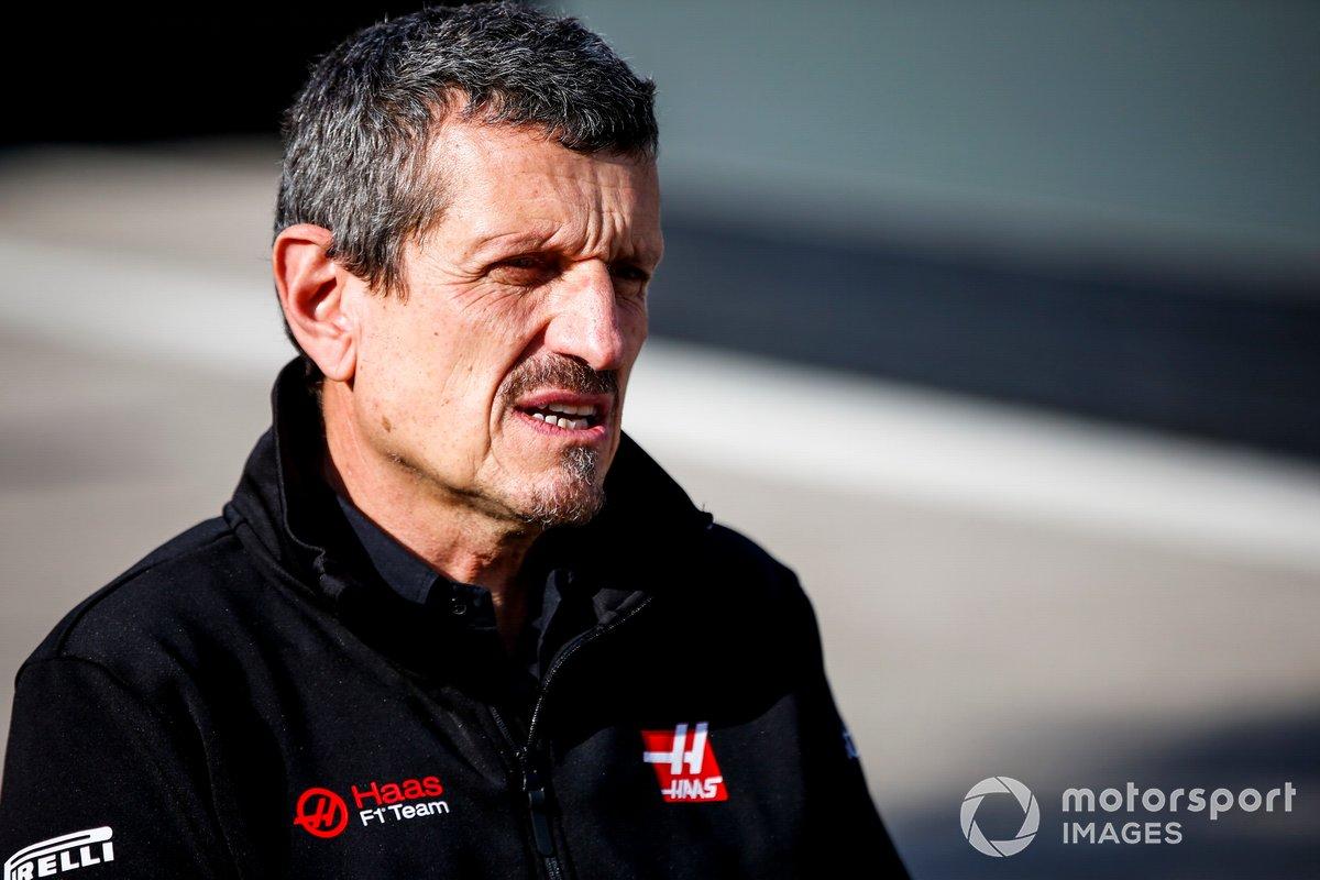 Guenther Steiner, director de Haas F1, ante los medios