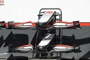 Front wing of Haas VF-20