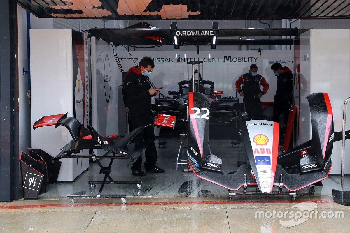 Nissan e.dams garage