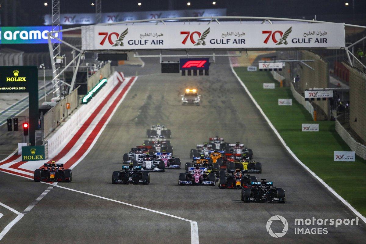 Arrancada Lewis Hamilton, Mercedes F1 W11, Max Verstappen, Red Bull Racing RB16, Sergio Pérez, Racing Point RP20, Valtteri Bottas, Mercedes F1 W11, Alex Albon, Red Bull Racing RB16