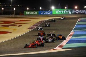 Charles Leclerc, Ferrari SF1000, Antonio Giovinazzi, Alfa Romeo Racing C39, Lance Stroll, Racing Point RP20, Carlos Sainz Jr., McLaren MCL35, Kevin Magnussen, Haas VF-20, en Sebastian Vettel, Ferrari SF1000