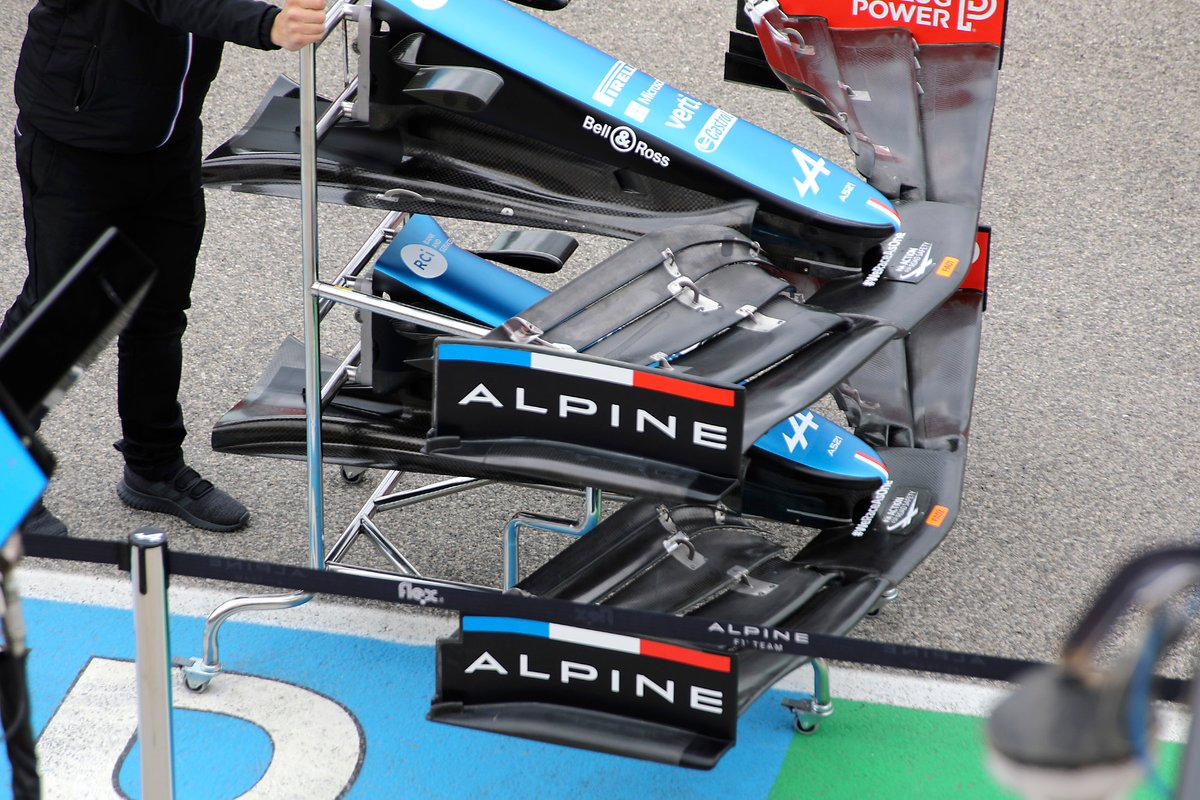 Alpine A521 detail front wing