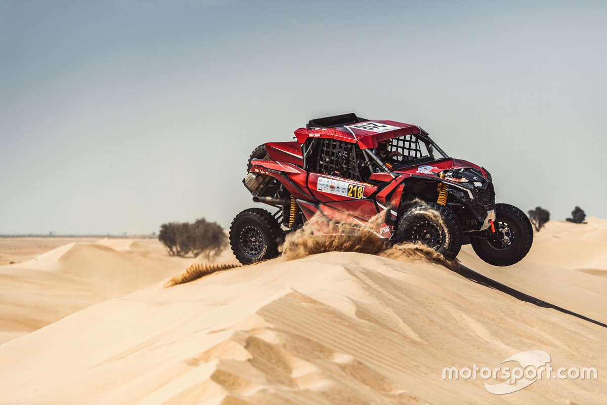 Laia Sainz y Lucas Cruz, South Racing, en la Baja Dubai